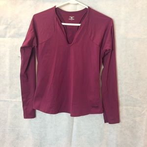 Patagonia SZ S Burgundy  T- Shirt Athletic Wear